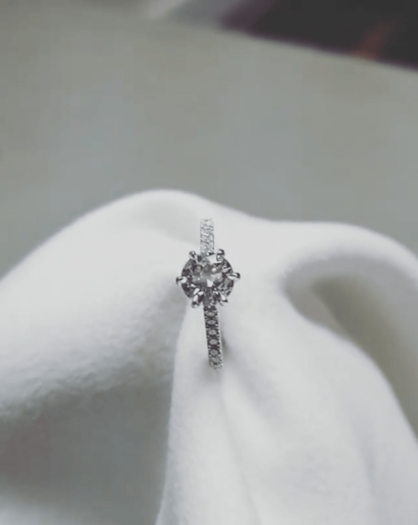 Classic 6 Claw Eternity Solitaire